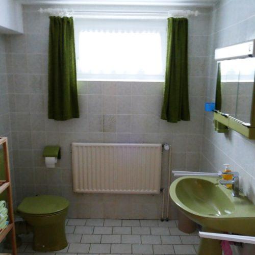 Badezimmer unserer Ferienwohnung in Hagenberg am Steinhuder Meer.