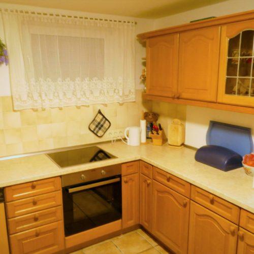 Gut eingerichtete Küche der Ferienwohnung in Hagenberg am Steinhuder Meer
